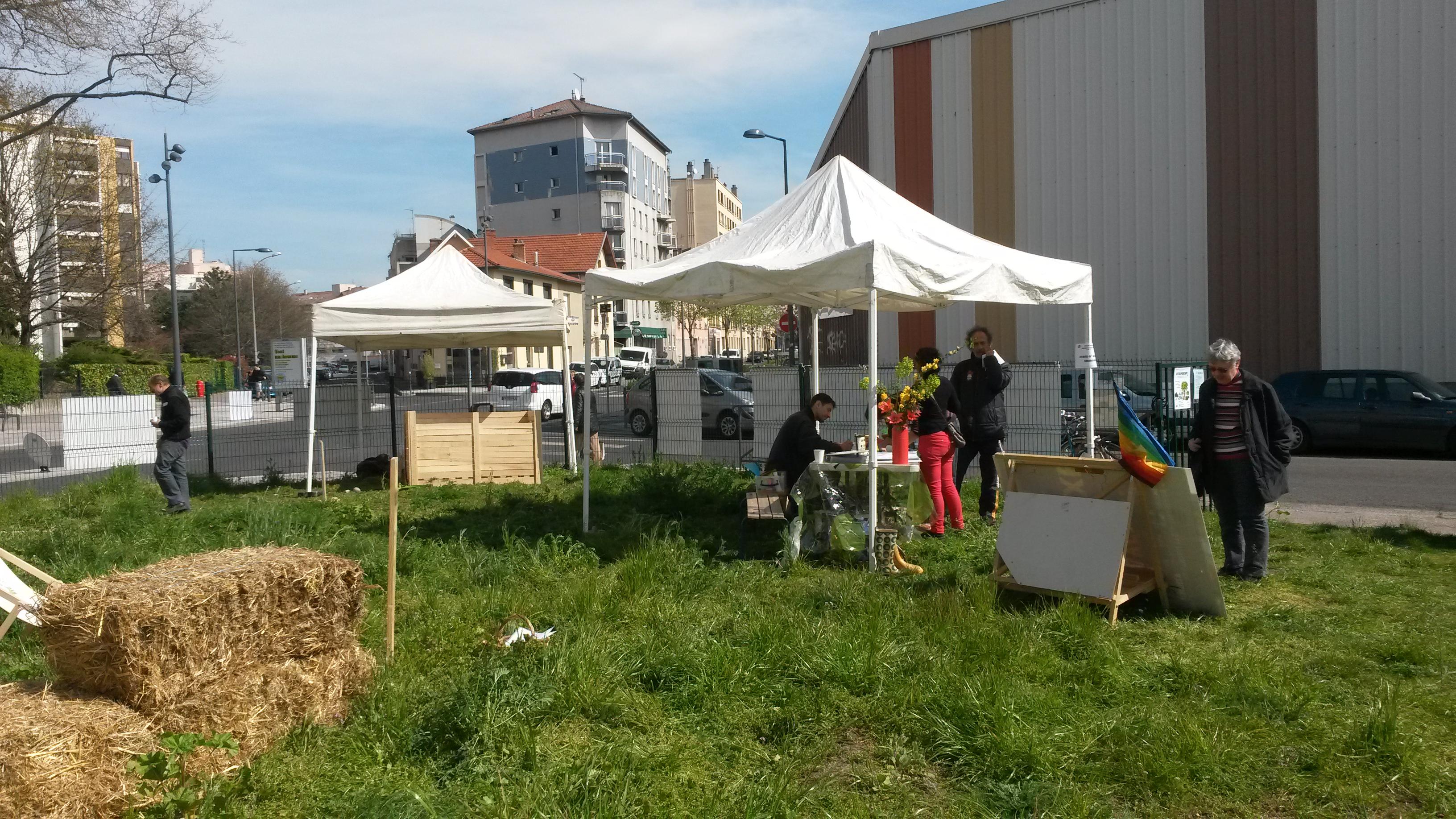 Inspir jardin partag sabakunohana for Jardin 122 rue des poissonniers