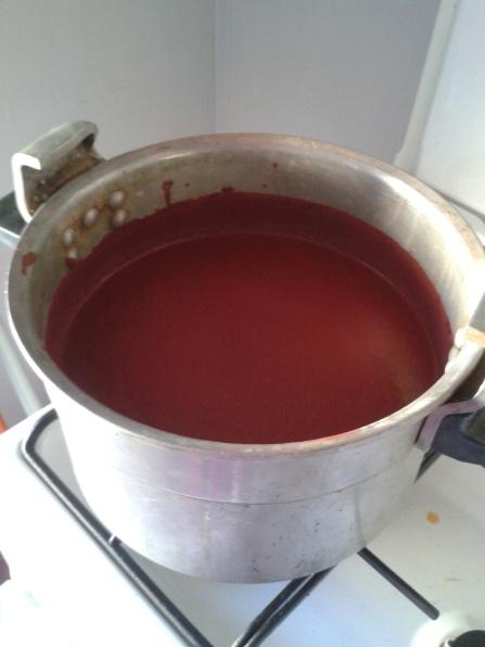 peinture-rouge-dans-cocotte