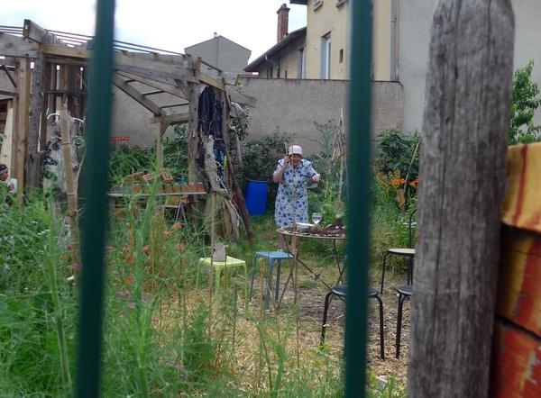 Compagnie du désordre au Jardind'Yvonne